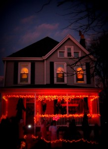 These Halloween Decorations Convert Homes Into Real Horror Meuseums-44