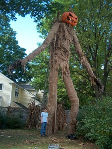 These Halloween Decorations Convert Homes Into Real Horror Meuseums-5