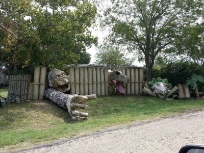 These Halloween Decorations Convert Homes Into Real Horror Meuseums-8