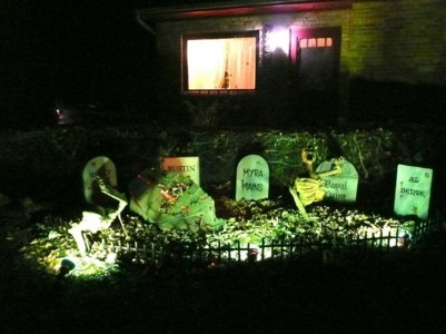 These Halloween Decorations Convert Homes Into Real Horror Meuseums-9