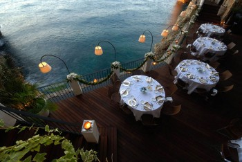 Grotta Palazzese-Amazing Italian Restaurant Carved Into A Cliff--6