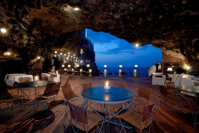Grotta Palazzese-Amazing Italian Restaurant Carved Into A Cliff--7