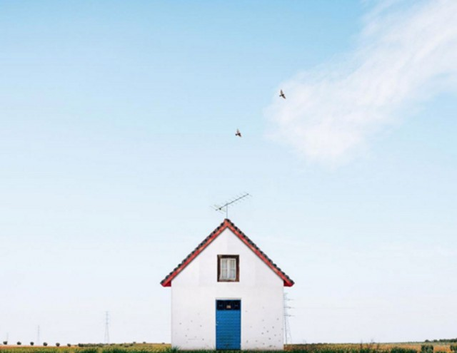 26 Lonely Houses Around The World That Are A Small Paradise--1