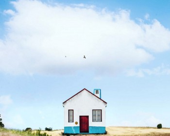 26 Lonely Houses Around The World That Are A Small Paradise--21