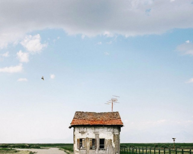 26 Lonely Houses Around The World That Are A Small Paradise--9