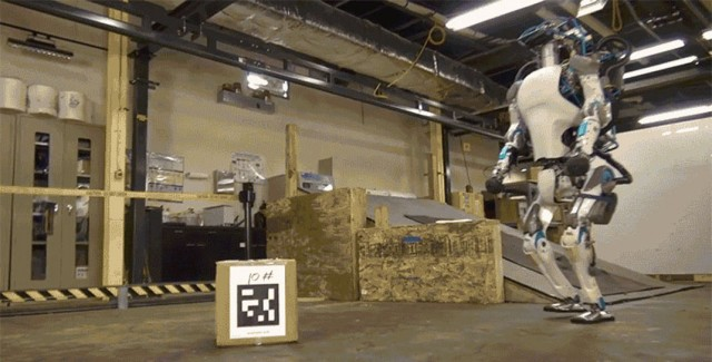 Atlas-This Humanoid Robot Has Exactly Same Movements As Humans--1