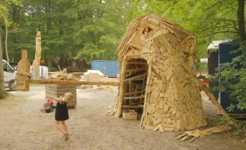 Gigantic Wooden Sculptures Made Using Simple Wood Debris--6