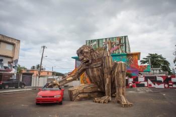 Gigantic Wooden Sculptures Made Using Simple Wood Debris--7