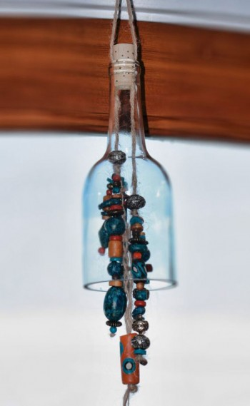 29 Ideas To Help You Recycle Your Glass Bottles Cleverly--3