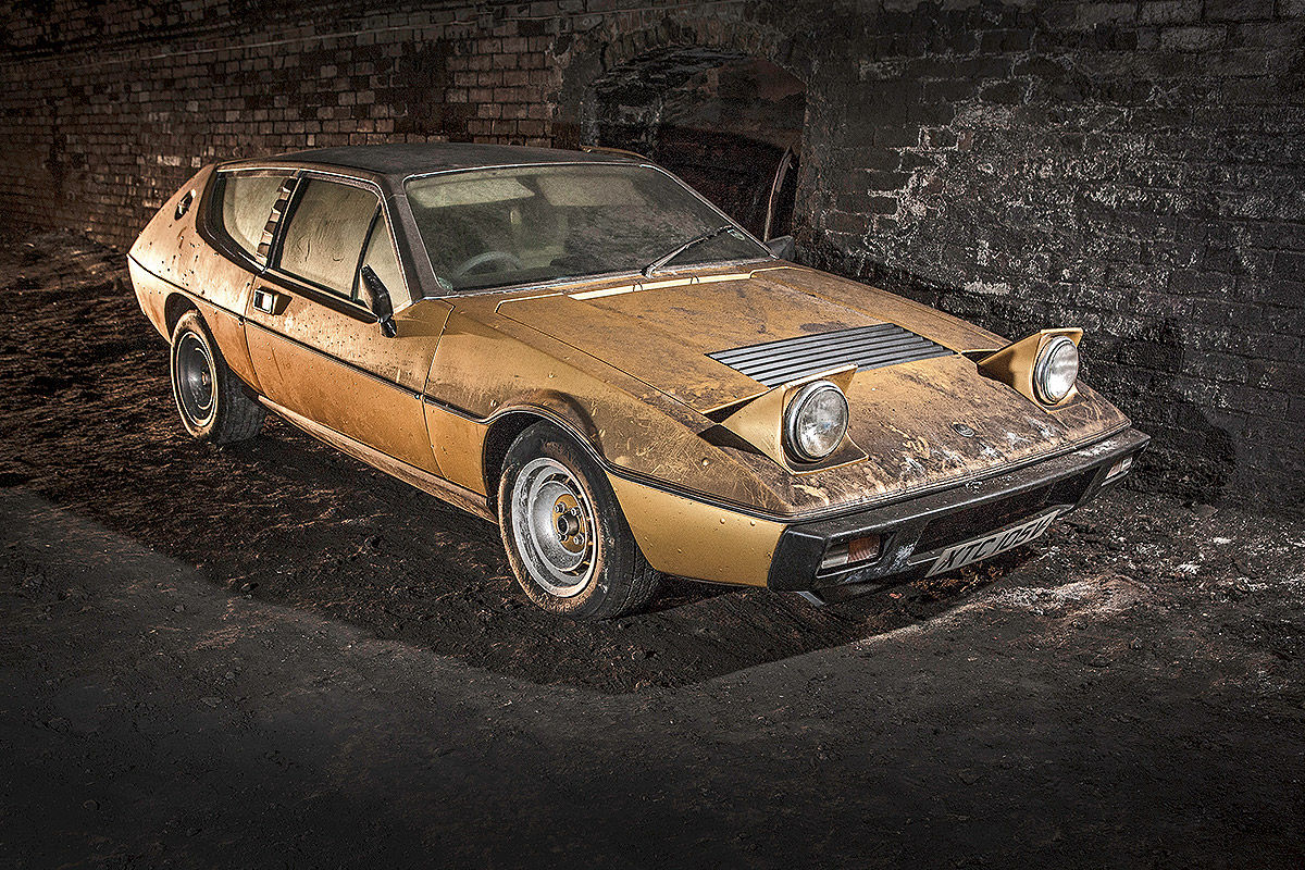 Explore The Mysterious Cemetery Of Abandoned Cars In The Depths Of Liverpool--6