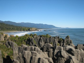 Pancake Rocks-The Amazing Rocky Structures Sculpted By Ocean Waves--10