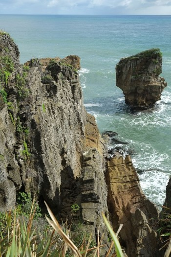 Pancake Rocks-The Amazing Rocky Structures Sculpted By Ocean Waves--12