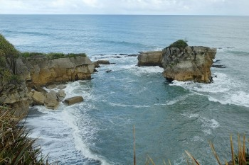 Pancake Rocks-The Amazing Rocky Structures Sculpted By Ocean Waves--14