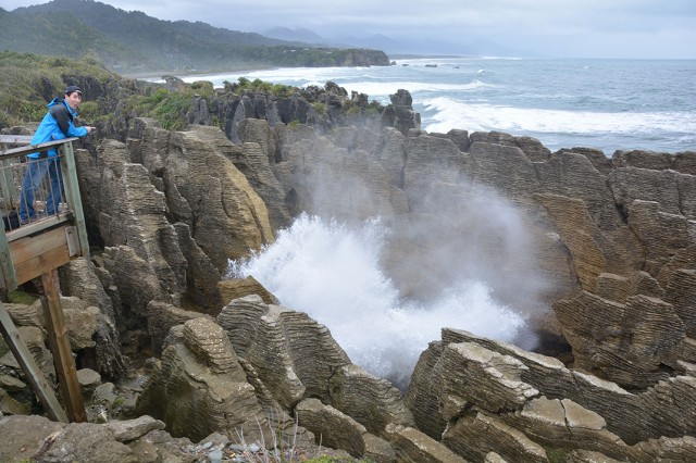 Pancake Rocks-The Amazing Rocky Structures Sculpted By Ocean Waves--17