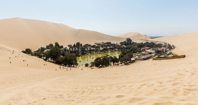 Huacachina-The Beautiful Small Village Built Around Peruvian Desert Oasis--7