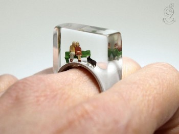 Isabell Manufactures Adorable Rings That Contain Small Scenes Of Everyday Life-