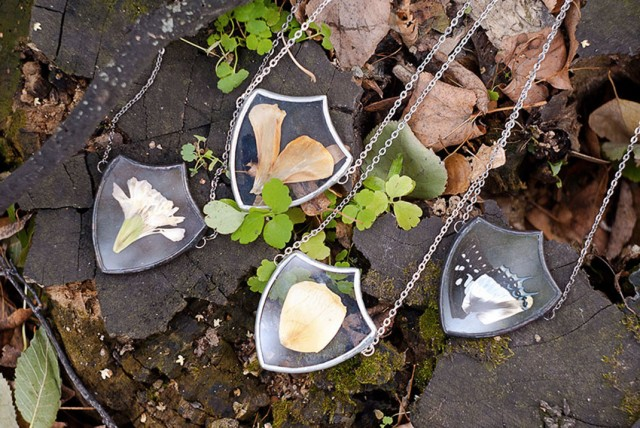 This Beautiful Jewelry Carefully Preserves The Beauty Of Nature--2