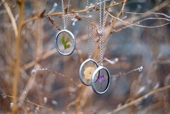This Beautiful Jewelry Carefully Preserves The Beauty Of Nature--3