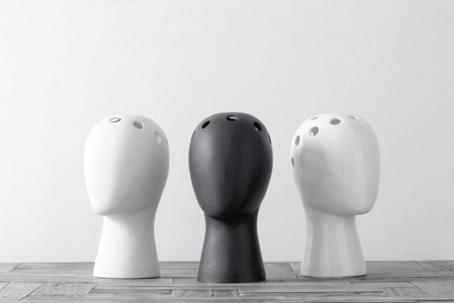 These Head-Shaped Vases Transform Your Floral Arrangements Into Majestic Wigs--7