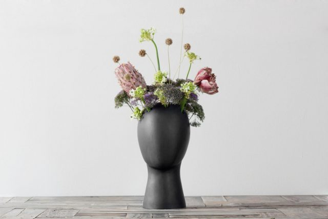 These Head-Shaped Vases Transform Your Floral Arrangements Into Majestic Wigs--8
