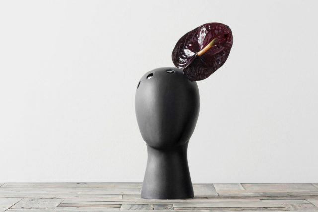 These Head-Shaped Vases Transform Your Floral Arrangements Into Majestic Wigs--9