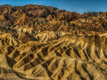 Travel The Legendary Death Valley, This Desert Region That Stretches To The Horizon--5