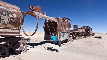 Desolate Beauty of These Abandoned Locomotives In Bolivian Desert--3