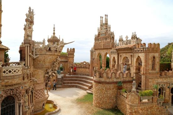 The 5 Most Magical Spanish Castles--2