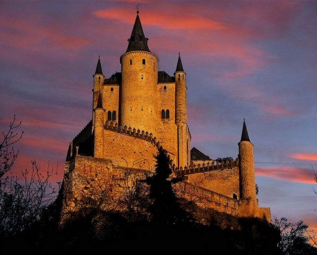 The 5 Most Magical Spanish Castles-