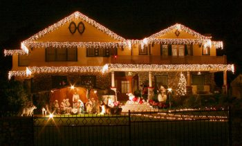 23 Most Beautifully Decorated For Christmas Season--12