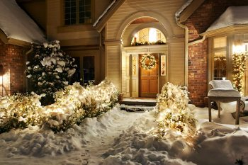 23 Most Beautifully Decorated For Christmas Season--13