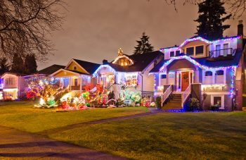 23 Most Beautifully Decorated For Christmas Season--21