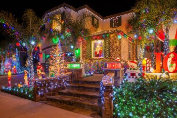 23 Most Beautifully Decorated For Christmas Season--22