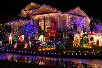 23 Most Beautifully Decorated For Christmas Season--7
