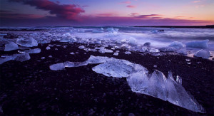 Iceland unveils its haunting landscapes--16