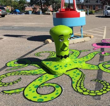 Tom Bob's amusing creations That Perfectly Fits In Urban Landscape--10