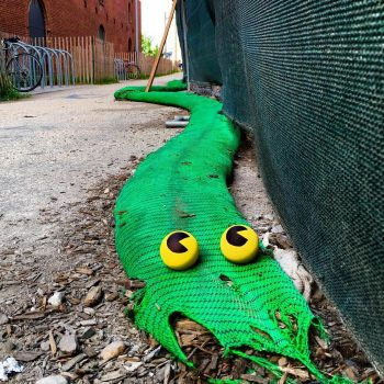 Tom Bob's amusing creations That Perfectly Fits In Urban Landscape--5