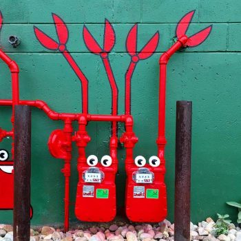 Tom Bob's amusing creations That Perfectly Fits In Urban Landscape--6