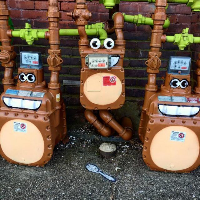 Tom Bob's amusing creations That Perfectly Fits In Urban Landscape--7