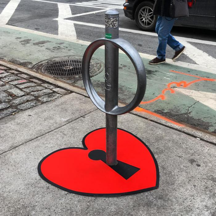 Tom Bob's amusing creations That Perfectly Fits In Urban Landscape--9