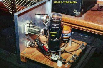 variable capacitor tunes radio receiver tank circuit